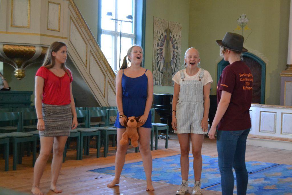Kyrkospel. Ida, Klara, Victoria och Hanna