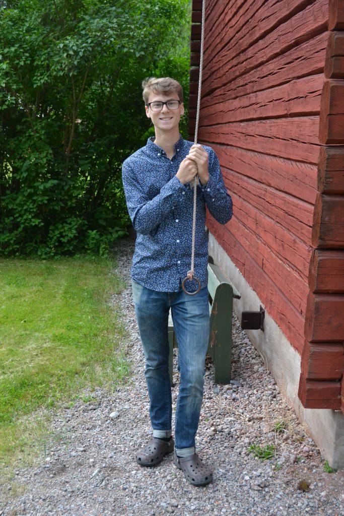 Pappa Emil ringer till dop i kapellet